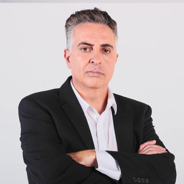 Álvaro Damião apresentador do programa Alterosa Agora
